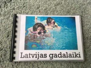 Gadalaiku grāmatiņa mazajiem